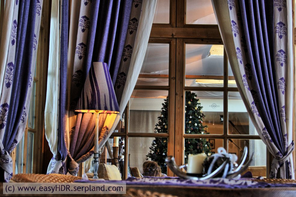Easy HDR Files | Tyrolian/Alpine Hotel Bar | HDR with night strong setting