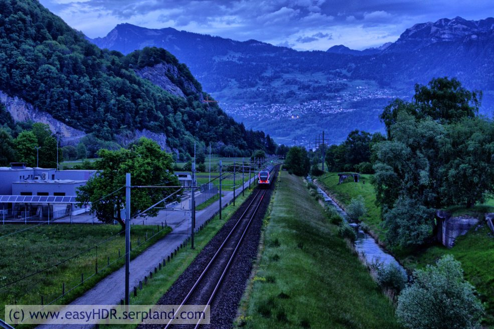 Easy HDR Pro Image | Railway in darkness | Digital photo editing with easyHDR-Pro in style dramatic dark