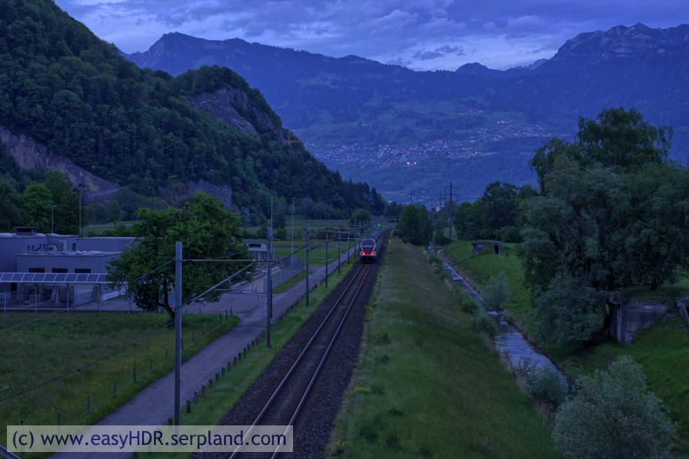Easy HDR Pro Image | Railway in darkness | Digital photo editing with easyHDR-Pro to style natural